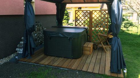 Prodej vířivky Corall na zahradu Canadian Spa International