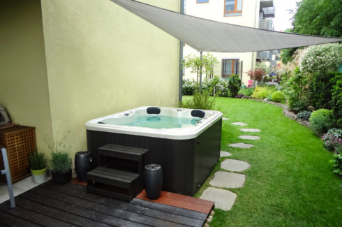 Whirlpool hot tub Canadian Spa International®, Spa Studio Praha