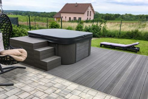 Nemo Excellence - outdoor whirlpool on terrace - Spa Studio