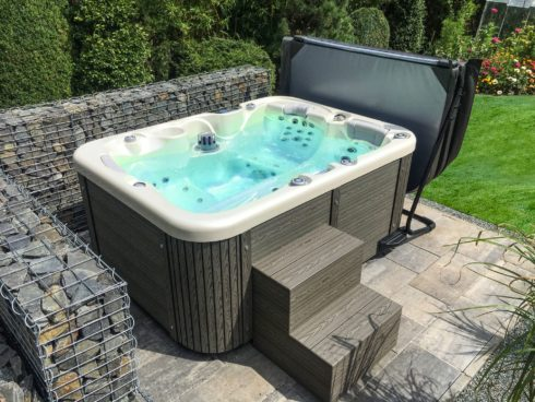 Canadian Spa International® - Corall - beautiful garden whirlpool - thermal cover with holder, sheating Lacan. You can find it in Spa Studio Prague, Ostrava, Bratislava