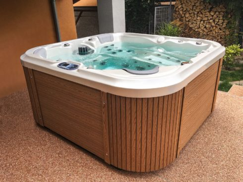 Favourite compact design Nemo - yearly garden whirlpool on the smaller terrace - Spa Studio