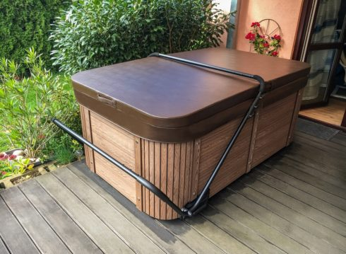 Canadian Spa International® - hot tub Lara Mini New. Garden whirlpool which can be used all year round.