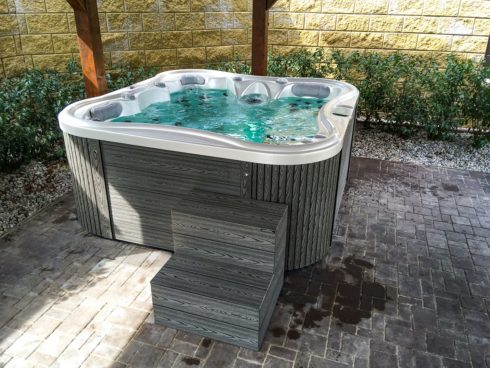 Outdoor whirlpool Nemo Excellence with premium sheathing Lacan TT