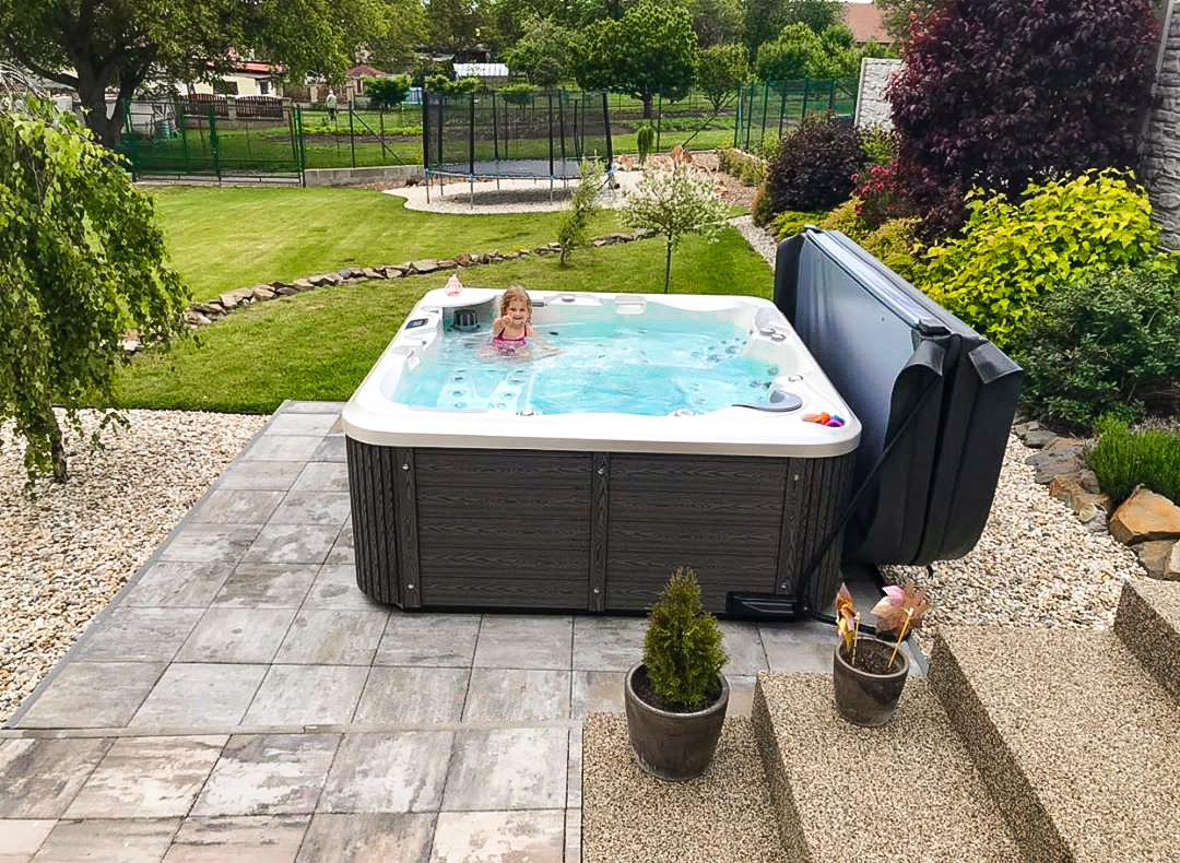 Delphina New - family jacuzzi by Canadian Spa International®