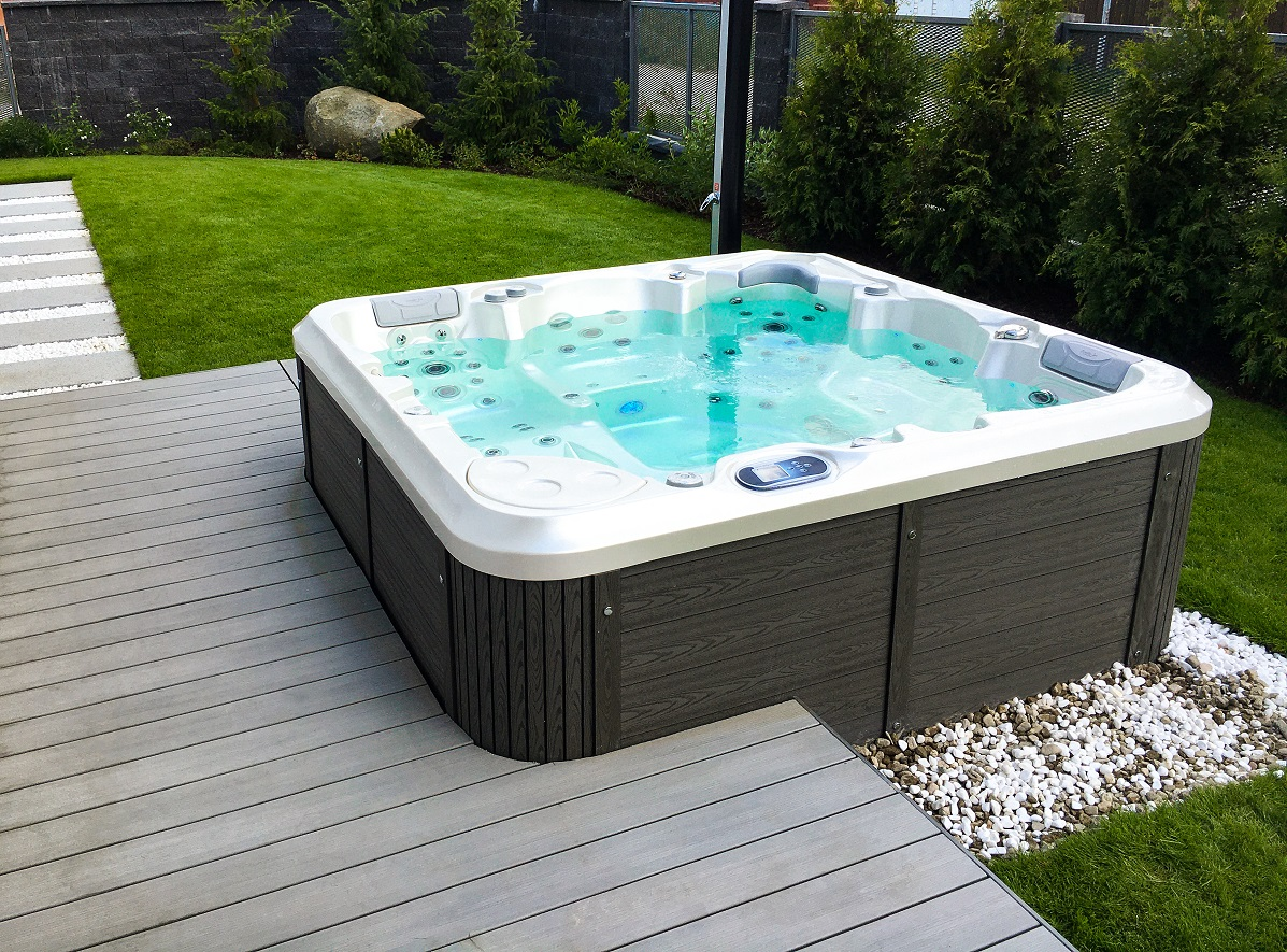 Garden family whirlpool Delphina New - Canadian Spa International® - Spa Studio - whirlpools, intimate whirlpools and saunas
