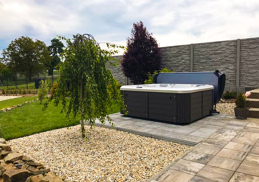 Family garden hot tub Delphina 3Gen. Massage whirlpool Canadian Spa International®