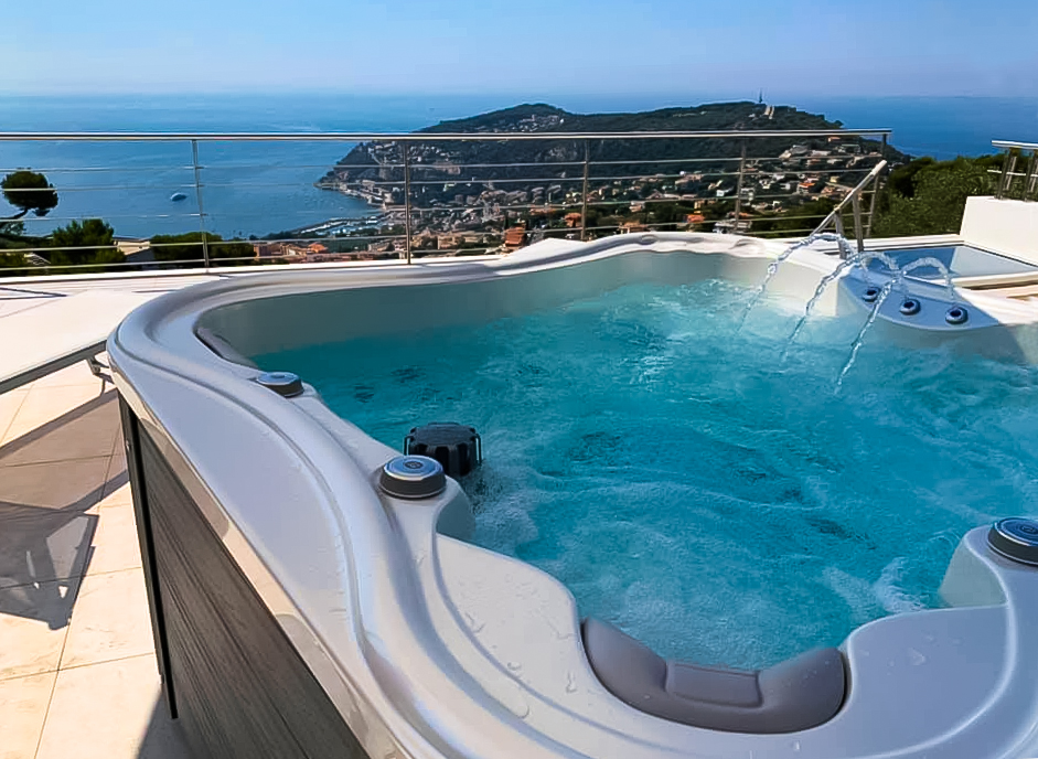 Whirlpool Nemo Excellence at a terrace with seaview - Canadian Spa International®