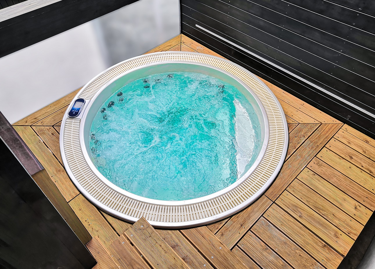 Round jacuzzi Enna by Canadian Spa International® - Spa-Studio.cz