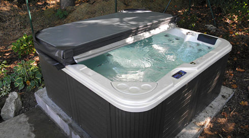 Slimming outdoor hot tub Delphina Canadian Spa International® Spa Studio Bratislava