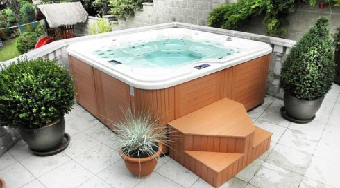 Home spa - family whirlpool Delphina Canadian Spa International® - Spa Studio Bratislava