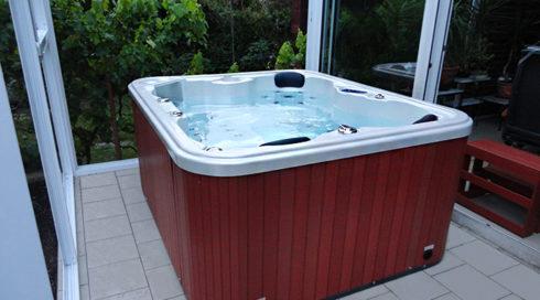 Canadian Spa International® - venkovní vířivka Puerla do zimní zahrady Spa Studio