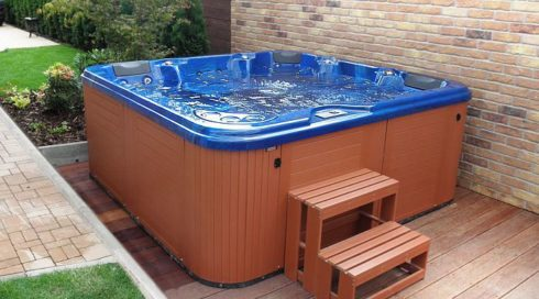 American whirlpools Canadian Spa International® - Garden hot tub on the terrace Delphina Spa Studio Bratislava