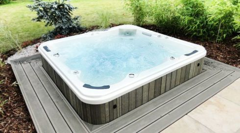 Garden outdoor massage whirlpool embedded version on the terrace Canadian Spa International®