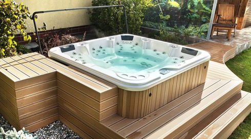 Family outdoor hot tub Delphina Canadian Spa International® Spa Studio Bratislava.