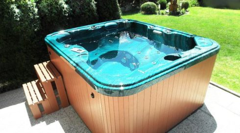 Natural green whirlpool Puerla - Canadian Spa International® Spa Studio Bratislava